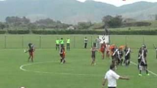 O Vasco da Gama sagrou-se Campeão Estadual Feminino Sub-17, ao derrotar o Bangu por 4 a 0, na segunda partida decisiva, realizada em Itaguaí, na manhã deste sábado (19/11). Na primeira partida, a equipe banguense havia levado a melhor: 2 a 1.