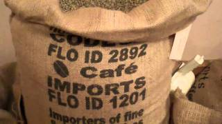 FTO Guatemala Huehuetenango Green Coffee Beans And Bag