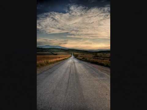 , title : 'Gianluca Grignani - Destinazione Paradiso ( + Testo)'