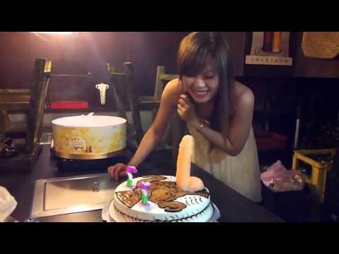正妹收到史上最屌的生日蛋糕!