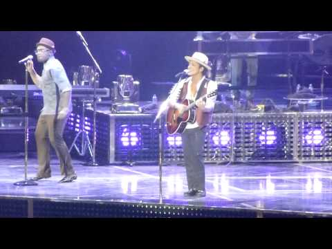 Bruno Mars - Nothin' On You - Moonshine Jungle Tour - London o2 Arena