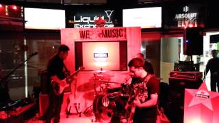 @ LEX (Liquid Exchange) Bar & Restaurant (Jakarta) - Baim Trio - Blues Guitar jam Video