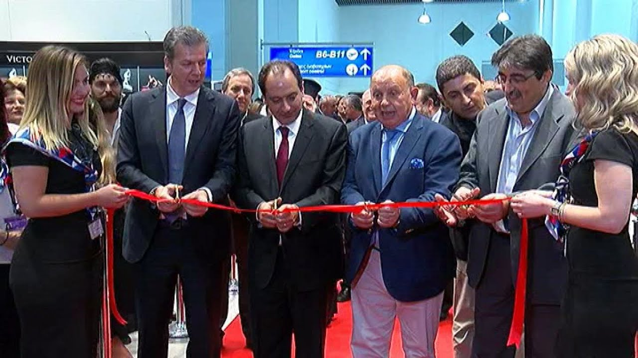"""Εγκαίνια πτέρυγας αεροδρομίου """"Καζαντζάκης"""" από τον  υπουργό Μεταφορών Χρ. Σπίρτζη"""
