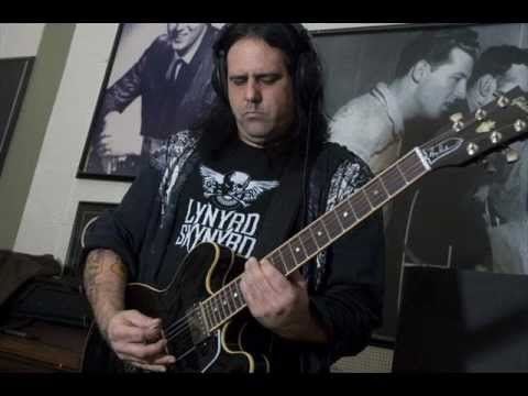 rigormortis - Mike Scaccia of the legendary Rigor Mortis died today (in 23/12/2012) after suffering a seizure on stage at the Rail Club in Fort Worth, Texas. Another thras...
