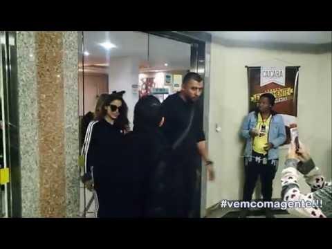 Anitta deixando a cidade de Itaperuna/RJ