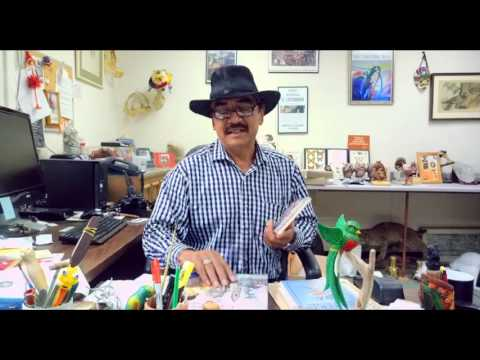 Rene Corado   Gerente del Museo de Aves en Camarillo CA Reflexion   El Lustrad