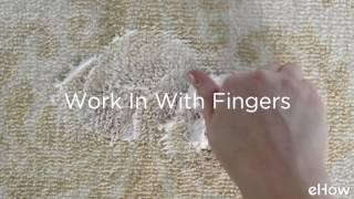 Bersihkan Noda Tumpahan Makanan & Minuman di Karpet