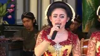 Sangga Buana - Kutut Manggung Gayeng - Jineman Glathik Glinding Titipane Anak Putu Pelok Barang.flv