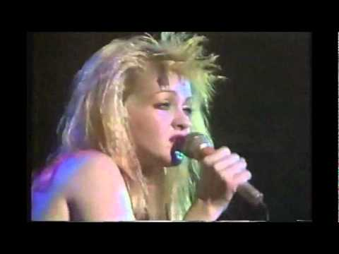 Cyndi Lauper - What39s Going On Live In Tokyo - 1986