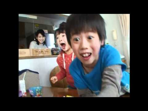 Asian Kids go bonkers for SpongeBob