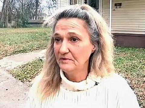 yaşlı sikiş - Ding-dong! Police arrested a woman from Gaffney, S.C., after they caught her going door-to-door selling porn -- on VHS. Jeanette Ellis, 52, told FOX Carolina...