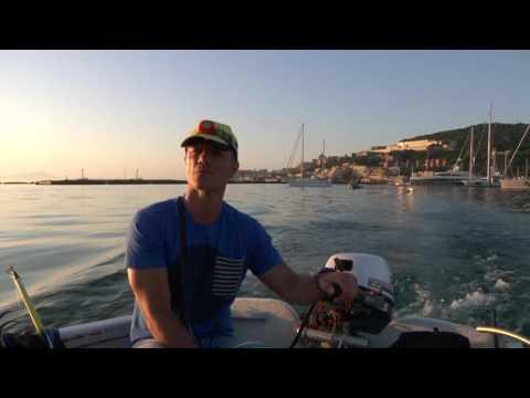 Italian Fishing TV - Tubertini - Con la Bolognese nel Porto di Gaeta