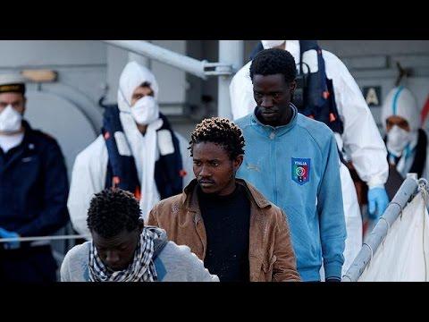 Ιταλία: Σχεδόν 1000 πρόσφυγες και μετανάστες διέσωσε το λιμενικό σώμα