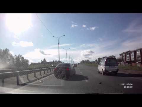 Водитель не смотрел в зеркала