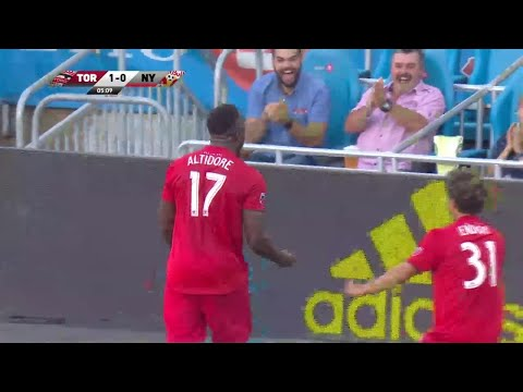 Video: Stunning backheel goal by Jozy Altidore
