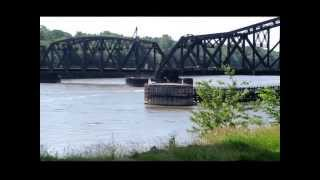 Fulton (IL) United States  city photo : Train bridge Clinton Iowa Mississippi River Union Pacific Fulton Illinois Twilight Calliope