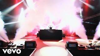 image of Felix Jaehn - Bonfire (Chris Lake Remix) [Live Video] ft. ALMA