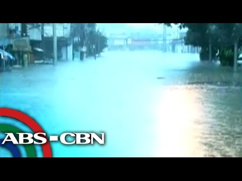 Ave - Floods submerged Araneta Avenue and surrounding roads in Quezon City due to tropical storm ''Mario''. Subscribe to the ABS-CBN News channel! - http://bit.ly/TheABSCBNNews Watch the full episodes...