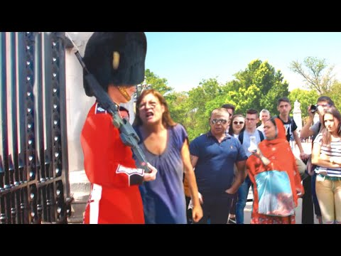 Karen Tried To Mess With A Royal Guard...