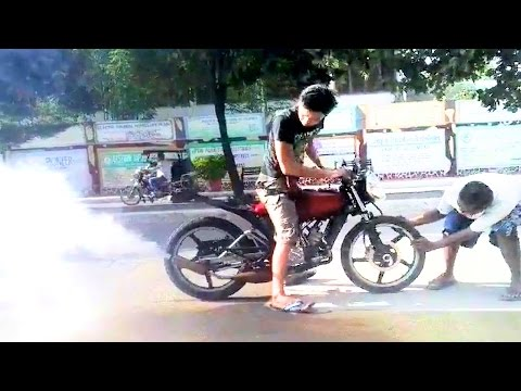 MOTORCYCLE GOES BACKWARD ? This bike can do burnout in reverse