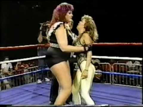 POWW Wrestling: Paisley vs. Queen Kong