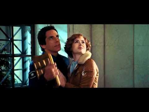 Ben Stiller kisses Amy Adams in night at museum 2