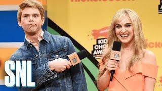 Video Nickelodeon Kids Choice Awards Orange Carpet - SNL MP3, 3GP, MP4, WEBM, AVI, FLV Desember 2018