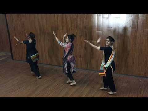 Video Punjabi Folk Dance || Girls Performance || Trending Bhangra 2018 download in MP3, 3GP, MP4, WEBM, AVI, FLV January 2017