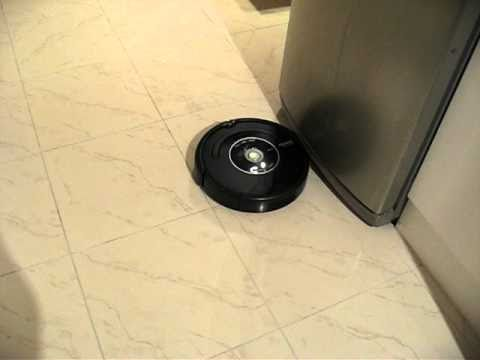 iRobot Roomba 581 in action