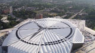 Mercedes-Benz Stadium: Timelapse showing the closing of the roof