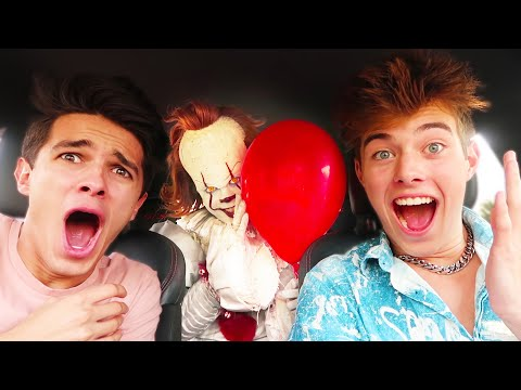 SURPRISING MY FRIENDS WITH PENNYWISE!!