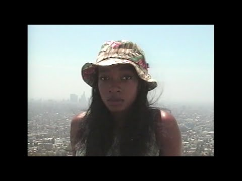 Little Simz debuts video for 'Quest Luv'