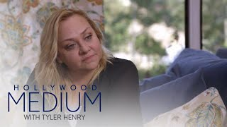 Video Nicole Sullivan Gets Reassuring Message From Grandmother | Hollywood Medium with Tyler Henry | E! MP3, 3GP, MP4, WEBM, AVI, FLV Juni 2018