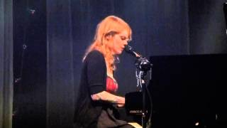 (HD) Coeur de Pirate - You Belong to Me (old cover) Live @ Rockhal 04-04-2013