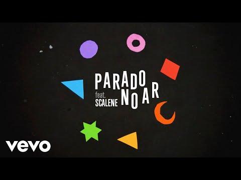 """Capital Inicial lança clipe de """"Parado no Ar"""" com participação da banda Scalene"""