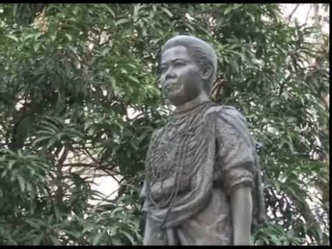 สมเด็จพระเทพรัตนราชสุดาฯ สยามบรมราชกุมารี ทรงบาตร 121 ปีสภากาชาดไทย