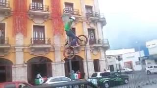 faze tari cazatura cu bicicleta