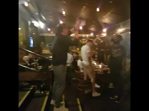 Video - Η απίθανη στιγμή που ο Μπάνκι αφιερώνει την παγκόσμια κούπα στον Ντράγκαν Σάκοτα! (ΦΩΤΟ)