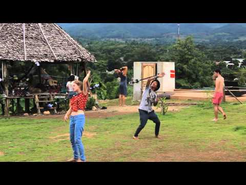 Wideo Pai Circus School & Backpacker Resort