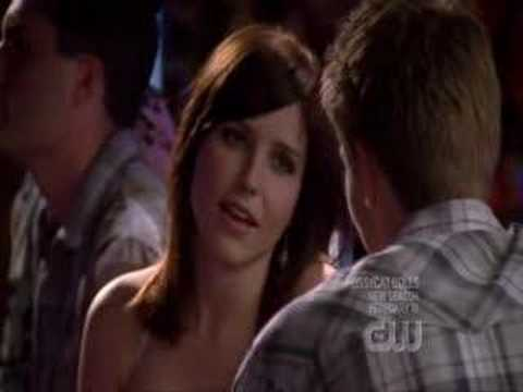 One tree hill 5x07 Booke/Lucas 2