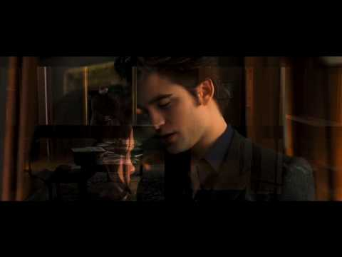 New moon movie preview dreaming of vampires for New moon vampire movie