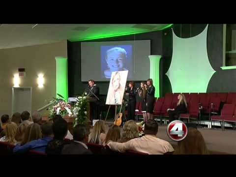 Funeral held for country star Mindy McCready
