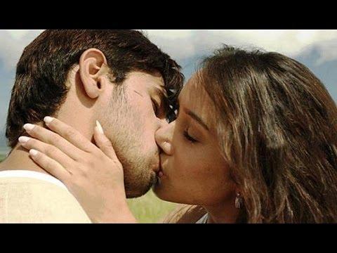 Video Shraddha Kapoor and Sidharth Malhotra Lock Lips For 'Ek Villain' download in MP3, 3GP, MP4, WEBM, AVI, FLV January 2017