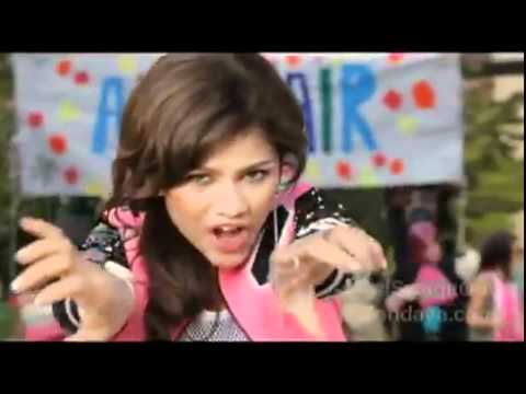 Tekst piosenki Zendaya Coleman - Blah Blah Blow po polsku