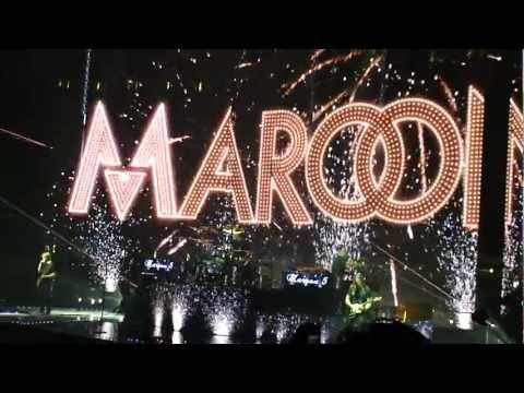 Maroon 5 - Moves Like Jagger (Live on 3/30/2013)