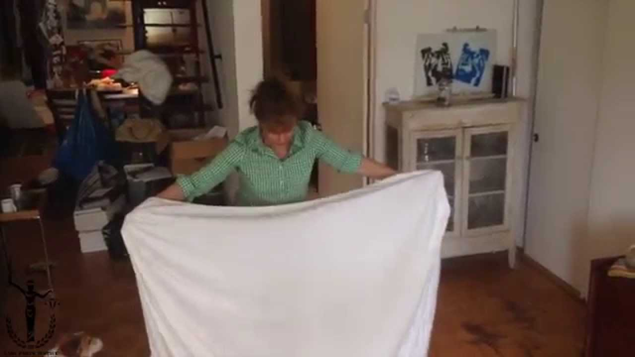 How to Fold a F*cking Fitted Sheet