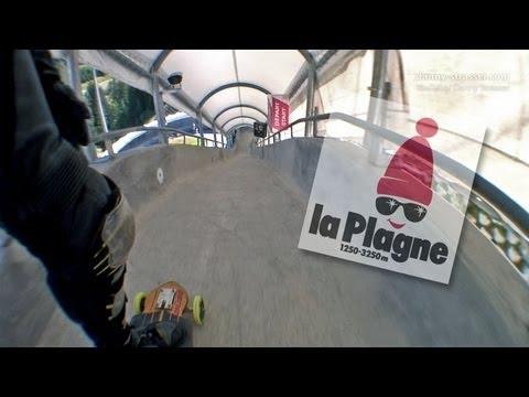Descenso en longboard por una pista de bobsleigh