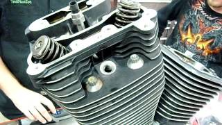 7. Part 04 How to install cylinder head on a Harley v-twin S&S Revtech EVO