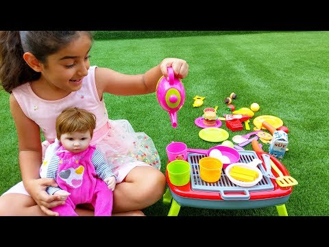 Princess Esma and Doll having Picnic