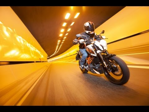 2013 KTM 390 DUKE ABS In Action